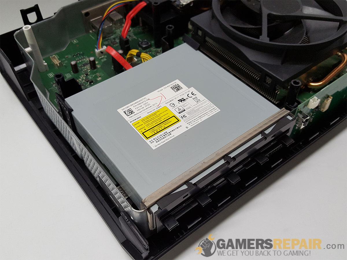 xbox-one-blu-rar-drive-installed.jpg